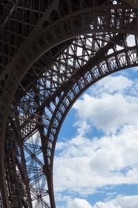 Eine Umweltplakette berechtigt in Frankreich zum Befahren einer Umweltzone.
