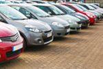 Ein Unfall bei der Probefahrt kann geschehen, wenn der Fahrer die Fahreigenschaften des Autos falsch einschätzt.