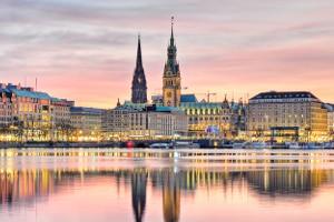 Nach einem Unfall in Hamburg gibt es einiges, was Sie beachten müssen.