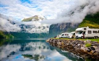 Das richtige Verhalten bei einem Unfall in Norwegen sollte bereist Thema bei der Urlaubsplanung sein.