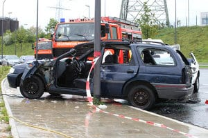Nach einem Unfall ist mit der Fahrschule über die notwendigen Schritte zu reden.