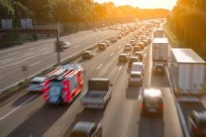 Regulierung nach einem Unfall in Österreich: Ob Autobahn oder Landstraße spielt keine Rolle. Sie geschieht nach österreichischem Recht.