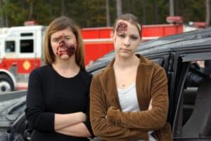 Zur Unfallaufnahme gehört auch die Befragung von Zeugen