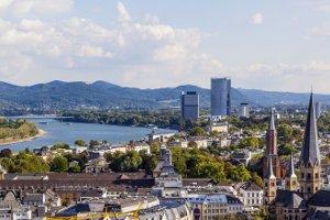 Kontaktaufnahme zur zentralen Bußgeldstelle: Das Verkehrsamt in Bonn kann zum Beispiel auch per Telefon erreicht werden.