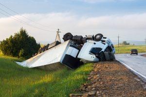 Das Verkehrshaftungsrecht regelt, wer die Haftung für Schäden übernimmt.