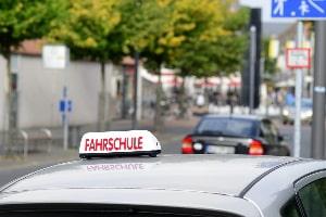 Durch Anpassungen im Verkehrsrecht kommen 2021 auch Veränderungen bei der Fahrprüfung.