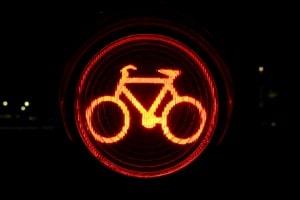 Das Verkehrsrecht regelt nun die Nutzung der Fahrradampel eindeutiger.