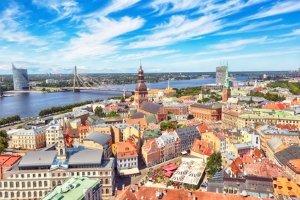 Die Verkehrsregeln von Lettland sorgen für mehr Verkehrssicherheit.