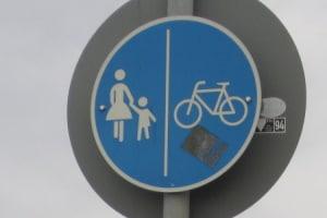 Verkehrsschilder mit Fahrrad-Symbol