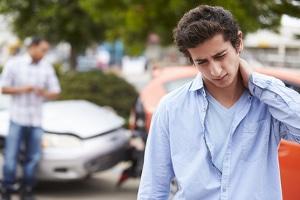 Eine Verkehrsunfallanzeige kann jedermann erstatten.