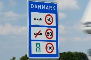 Verkehrszeichen dienen in Dänemark der Durchsetzung von Verkehrsregeln.