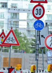 Die Verkehrszeichen sind in Frankreich ebenfalls in Kategorien unterteilt.