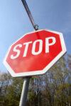 Verkehrszeichen Halt Vorfahrt gewähren