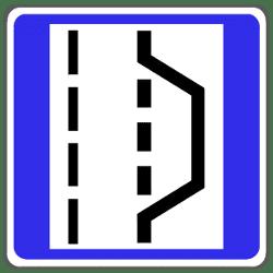 Zusätzliches Verkehrszeichen im Tunnel: der Hinweis auf Nothaltebuchten.