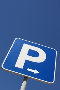 Offizielles Verkehrszeichen: Die Parkscheibe zählt laut StVO zu den Richtzeichen.