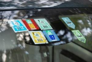 Verkehrszeichen zeigen in Tschechien, wann eine Maut zu zahlen ist.
