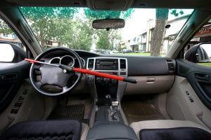 Liegt keine Fahrlässigkeit vor, zahlt eine Versicherung gegen Autodiebstahl den Widerbeschaffungswert.