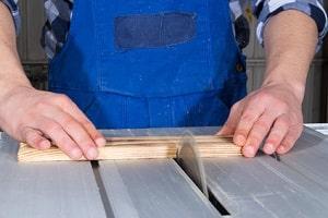 Wichtige Versicherung: Die gesetzliche Unfallversicherung schützt Sie bei Arbeitsunfällen.