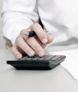 Ein Versicherungsbeitrag sollte angepasst auf die erforderlichen Leistungen sein.