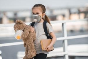 Verstoß gegen die Maskenpflicht: Muss ein Kind auch ein Bußgeld zahlen?