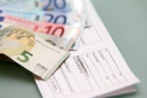 Ein Verwarngeld kann zum Bußgeld anwachsen, wenn es ignoriert wird.