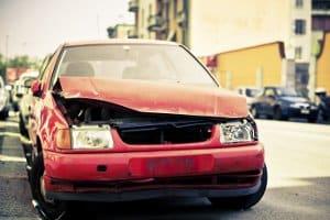 Fahrsicherheitstraining: Nicht jede im Vertrag festgehaltene Verzichtserklärung greift beim Autounfall vollumfänglich.