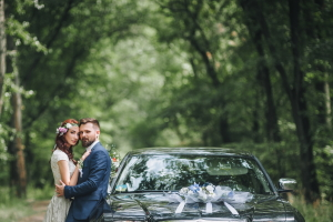 Vorschaubild Autoschmuck bei der Hochzeit