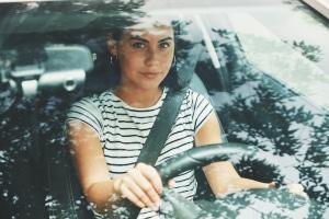 Wann erst wieder Autofahren nach einem Kaiserschnitt? Bevor Sie wieder Fahren, sollten Sie einige Tage ins Land gehen lassen.