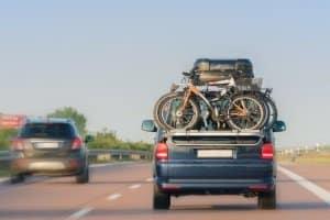 Muss eine Warntafel am Fahrradträger in Dänemark vorhanden sein?