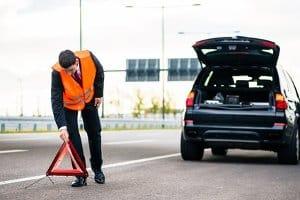 Die Warnwestenpflicht gehört für LKW-Fahrer zu den wichtigen Punkten im Beruf.