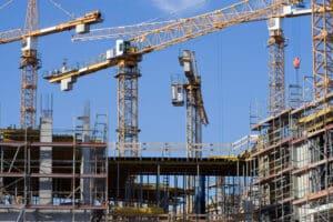 Was ist fahrlässige Tötung? Auch durch fehlende Statik beim Bau eines Gebäudes kann eine Anklage auf fahrlässige Tötung bei Einsturz folgen.