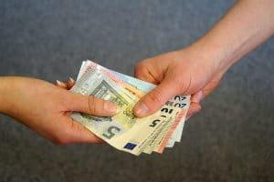 Was kostet es Sie? Ein Auto anmelden können Sie schon ab 26 Euro.