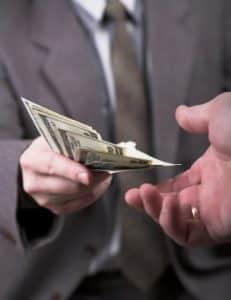 Die Kfz-Versicherung kommt nicht für jeden Schaden auf. Doch was zahlt die Vollkasko?