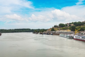 Schiffsführer können einen Wasserstand über ELWIS abfragen oder Schleusenbetriebszeiten einsehen.