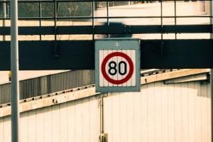 Wechselverkehrszeichen haben Vorrang vor allen anderen Regelungen.