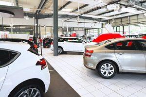 Der Wiederbeschaffungswert eines Kfz ist die Summe, die bezahlt werden muss, um ein gleichwertiges Fahrzeug zu kaufen.