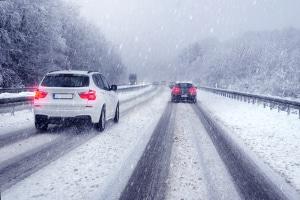 In Deutschland ist die Winterreifenpflicht situativ, das heißt, die Fahrbahnbeschaffenheit entscheidet.