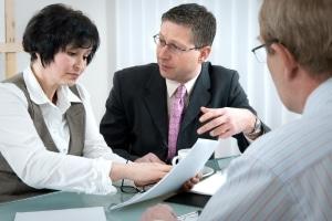 Wo steht die eVB-Nummer? Die Versicherung kann Ihnen diese per Post, E-Mail, SMS oder Telefon mitteilen.