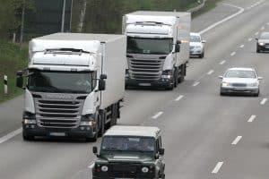 Ein Wochenendfahrverbot für Lkw gilt in Italien, Deutschland und anderen europäischen Ländern.