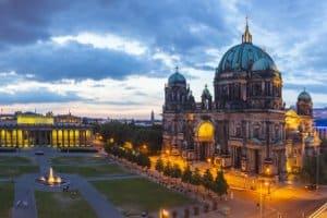 Wie können Sie verfügbare Wunschkennzeichen in Berlin abfragen? Wir klären auf.