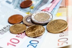 Für ein Wunschkennzeichen in Bremen müssen Sie mindestens 10,20 Euro bezahlen.
