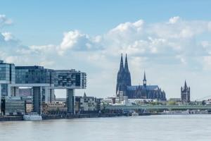 Mit einem Wunschkennzeichen in Köln können Autofahrer ihre Kreativität unter Beweis stellen.