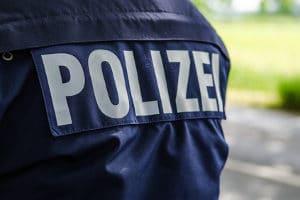 Ohne Meldung bei der Polizei: Bei einem Zettel am Auto kann eine Fahrerflucht erfolgt sein.