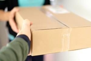 Zoll für Geschenke: Bei der Einfuhr spielt der Warenwert eine wichtige Rolle.
