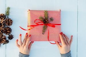 Absender oder Empfänger: Wer muss den Zoll für Geschenke bezahlen?
