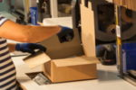 Im Zollverfahren werden Waren und Güter zollrechtliche behandelt.